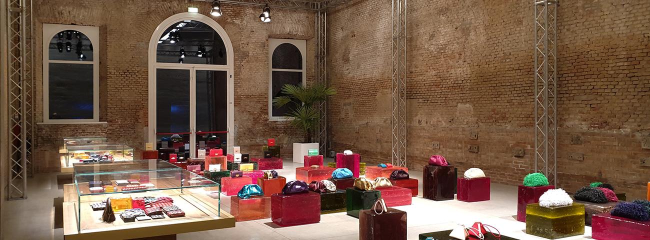 Temporary showroom Le Cavallerizze